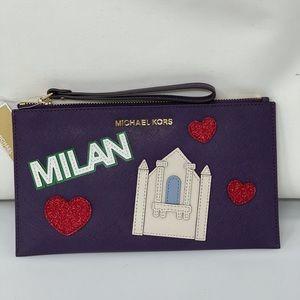 Michael kors Milan wristlet rare collection